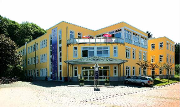 Bild 1 G�ttinger Rehazentrum Rainer Junge in G�ttingen