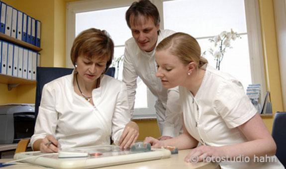 Bild 2 Dr. Cornelia Schmidt u. Dr. Frank Queisser in Hildesheim