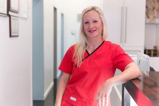 Ela Langanke, Zahnmedizinische Fachangestellte