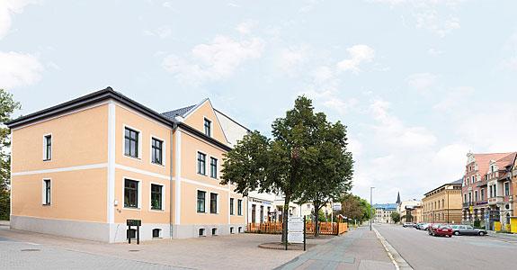 Bild 2 Anwältin Sabine Becker-König in Bitterfeld