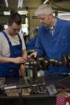 Bild 1 Motoren Henze GmbH in Hannover