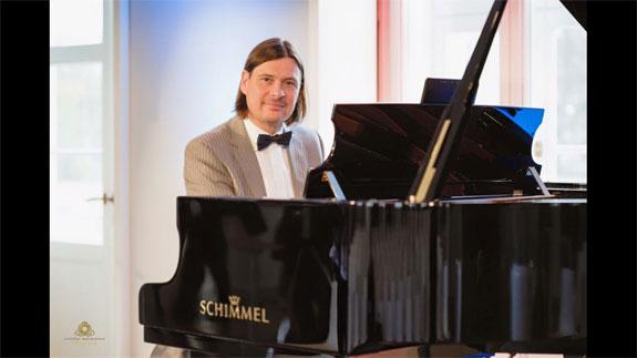 Bild 2 Matthias Wessolowski PianoPoesie in Hannover