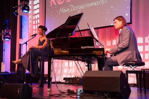 Bild 3 Matthias Wessolowski PianoPoesie in Hannover